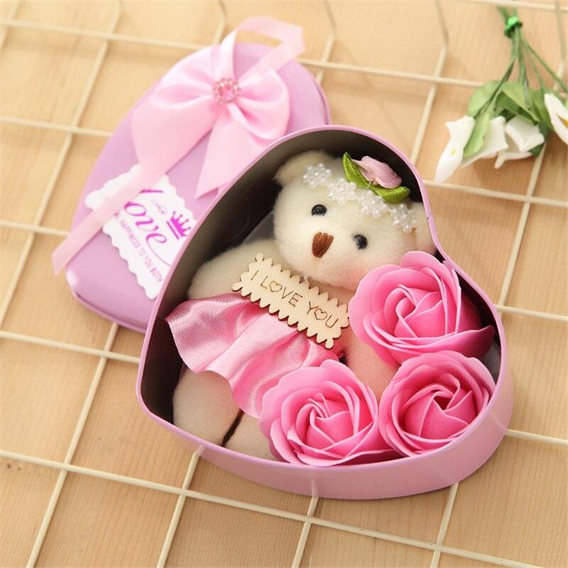 Мыльные розы 3 шт в коробке с мишкой (цвет розовый)