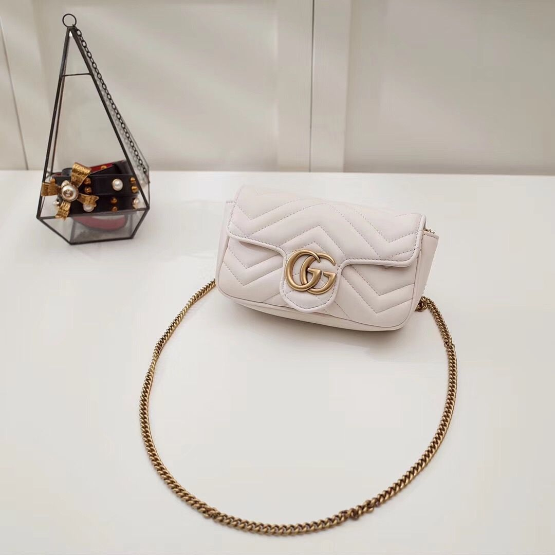 Gucci Marmont GG super mini