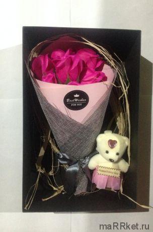 Набор из 7 мыльных роз в коробке с мишкой (фуксия)