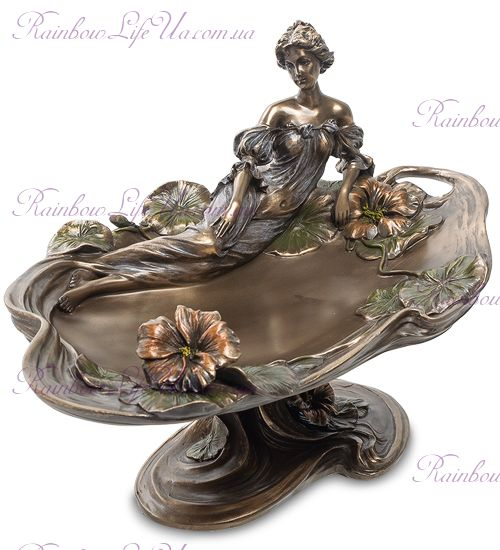 "Ваза леди и цветы настурции ""Veronese"""