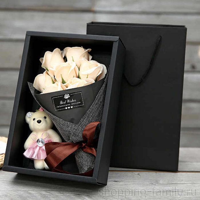 Набор из 7 мыльных роз в коробке с мишкой, Цвет Белый
