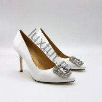 Женские туфли Маноло Бланик (Manolo Blahnik) белые купить в интернет магазине