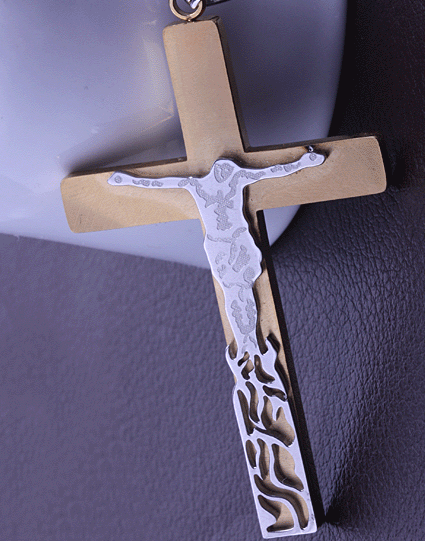 Массивный крест с Распятием