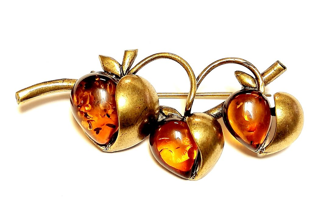 Брошь Яблоки сердца