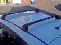 Багажник на крышу Hyundai Solaris 2011-17, hatchback, Turtle Air 3, аэродинамические дуги в штатные места (черный цвет)