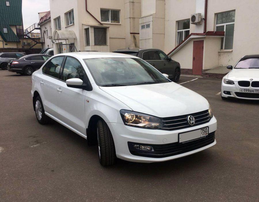 Volkswagen Polo 2017 г. Автомат (белый)