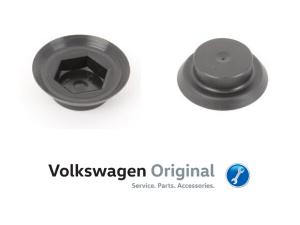 Колпачок гайки петли капота Volkswagen Polo Sedan