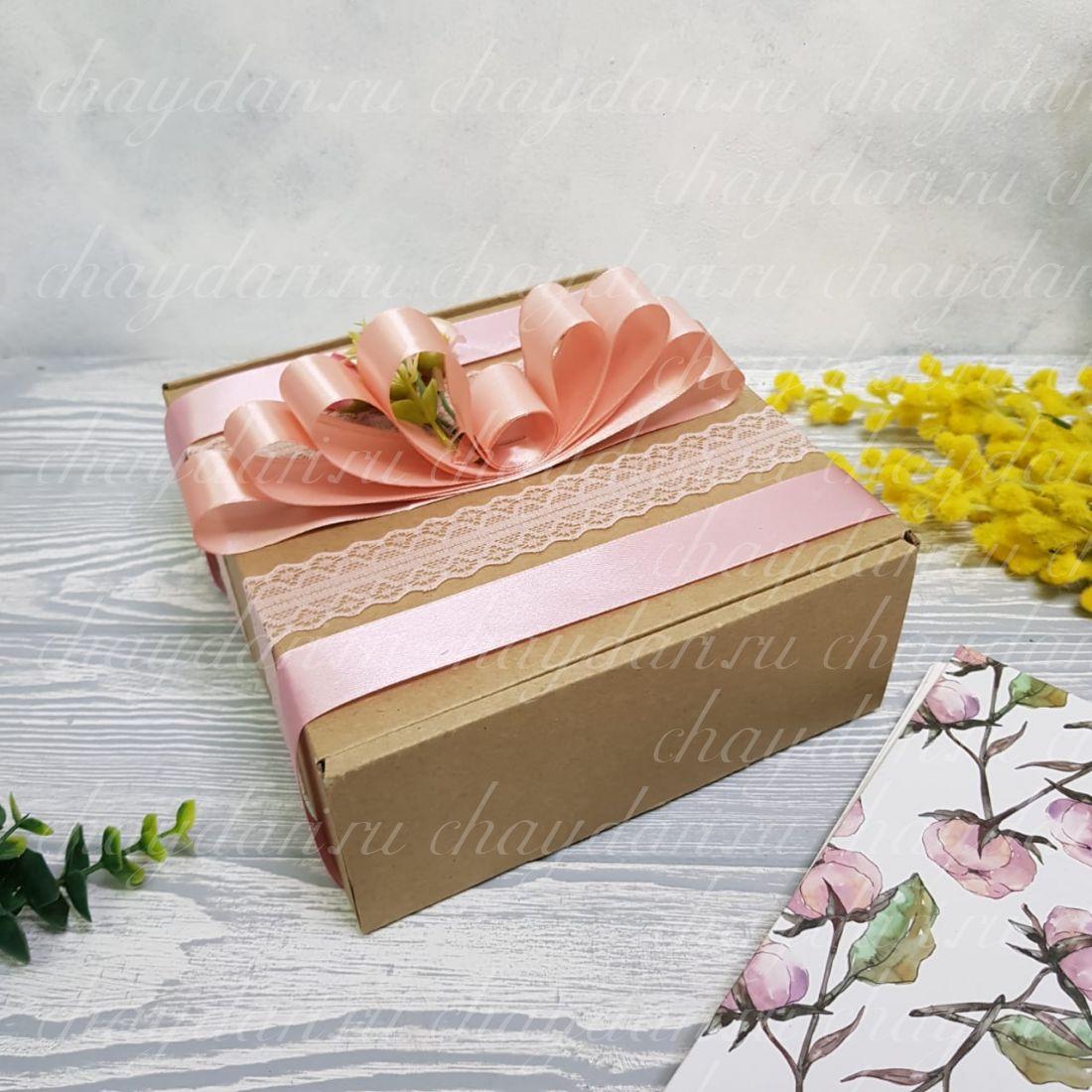 """Коробка с чаем и сладостями """"Кружевная"""""""