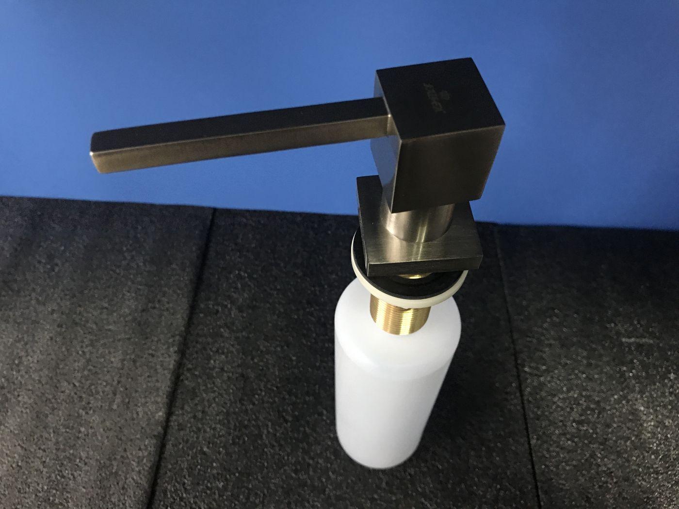 Kaiser KH-3025 Дозатор для моющих средств встраиваемый в мойку