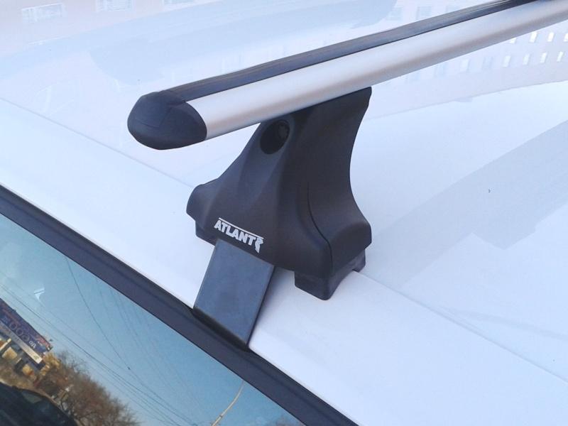 Багажник на крышу Volkswagen Golf 5,6, Атлант, аэродинамические дуги, опора Е