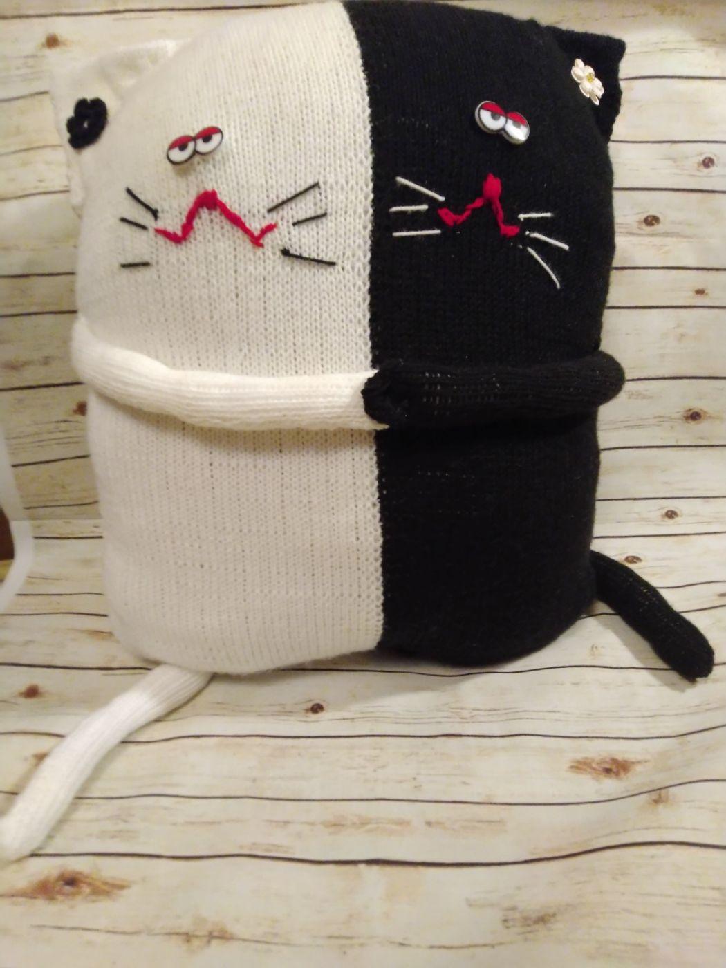 """Декоративная подушка """"Черно-белые коты"""". Подушка в детскую. Подушка в подарок."""
