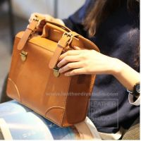 Кожаная сумка-брифкейс, модель «Crossbody 07» [LeatherDIYStudio]