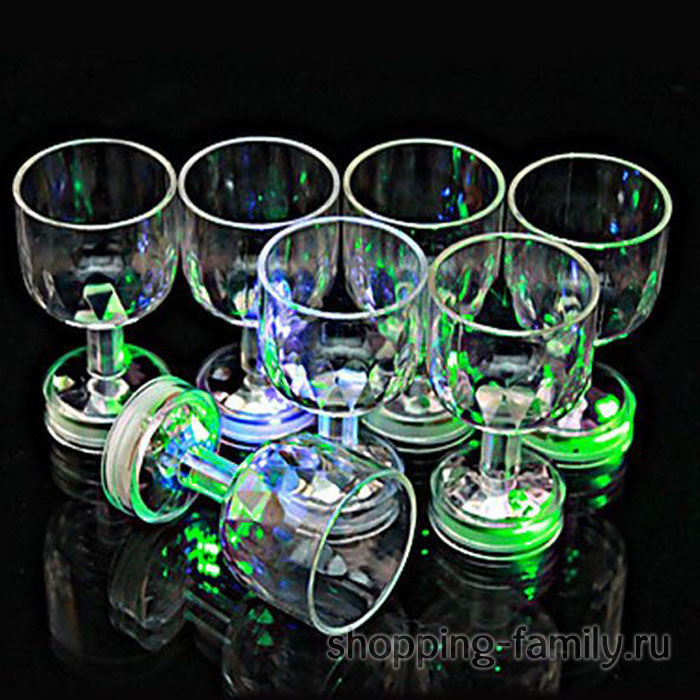 Мерцающая рюмка на ножке Light-up Liquid Activated Glass, 6 шт