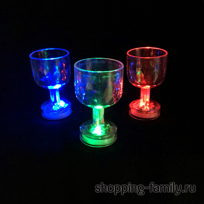 Мерцающая рюмка на ножке Light-up Liquid Activated Glass, 1 шт