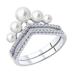 Кольцо из серебра с жемчугом и фианитами 94013100 SOKOLOV