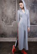женское платье с капюшоном