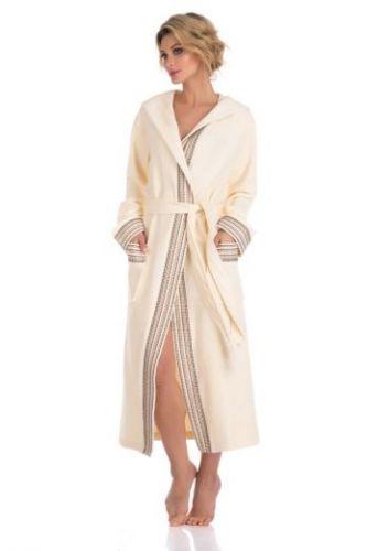 Женский махровый халат с капюшоном Le Voyageur кремовый