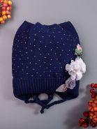 РБ Шапка для девочки вязаная с ушками, на завязках стразы сбоку цветочки на отвороте Ангел, темно-синий