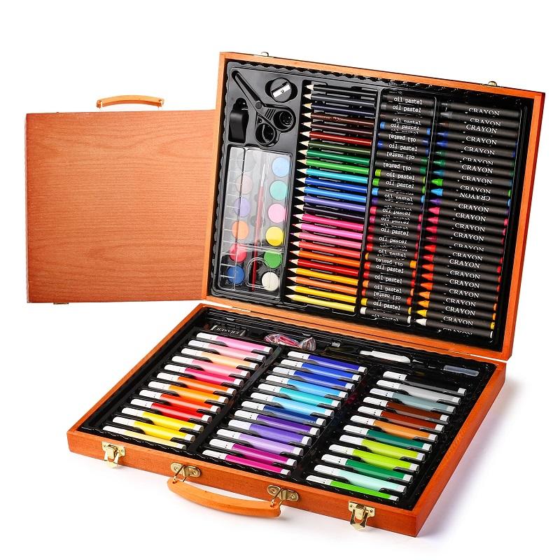 Набор для рисования в деревянном чемоданчике 150 предметов