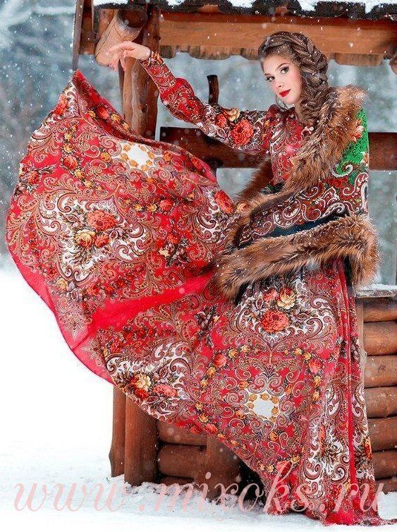Платье красное в пол из платков