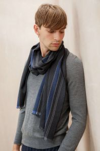 тонкорунный широкий  шарф 100% шерсть мериноса,  расцветка  Колледж Страйп Серый и  синий Grey Blue COLLEGE STRIPE  плотность 3