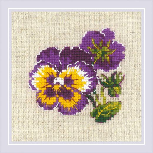 Набор для вышивания крестом Пара анюток №1857 фирма Риолис