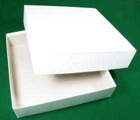 Коробка белая 30 х 30 х 7,5 см
