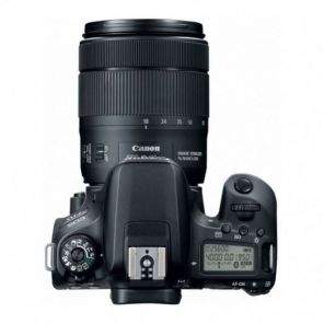 Canon EOS 77D Kit 18-135mm f/3.5-5.6 IS STM