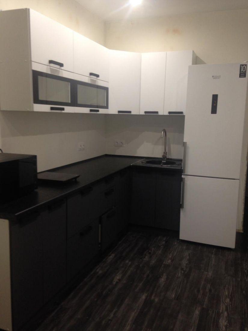 Кухонный гарнитур Фиджи белый/графит 2,6*1,2 м.
