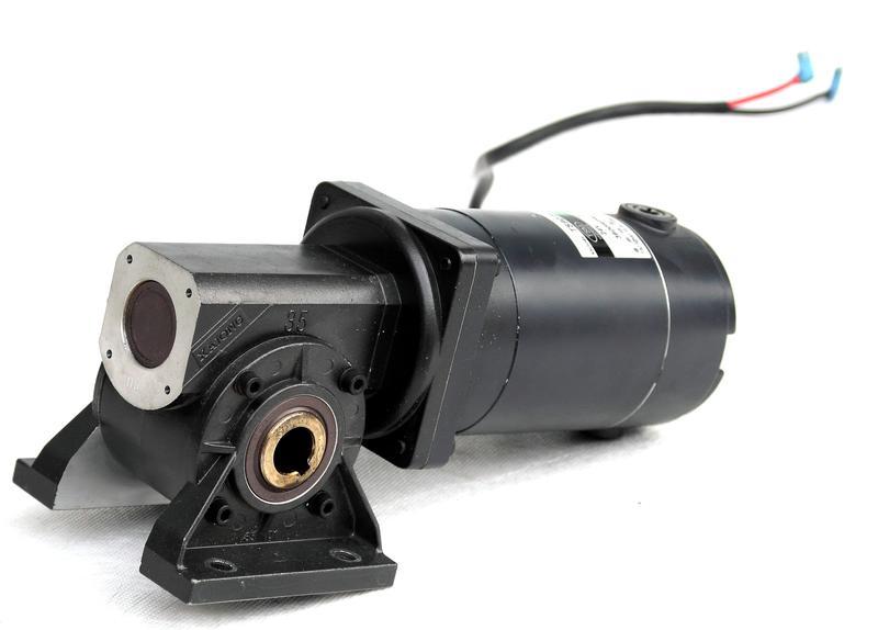 Мотор-редуктор положения сиденья Maximus 24V 10A /RPM3000/300W/0.95NW