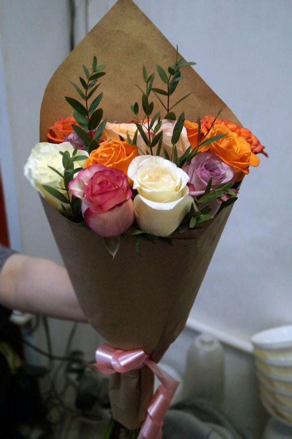 15 роз - микс в крафт бумаге (60 см)