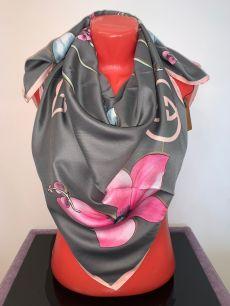 Шелковый платок Gucci серо-зеленый с цветком, арт. 051