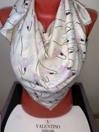 Шелковый платок Valentino (молочный) с лилиями, арт. 039