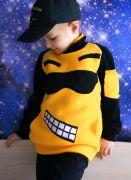 черно-желтая толстовка для мальчика