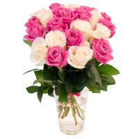 Белые и розовые розы 50 см