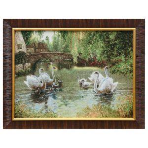 """Картина из гобелена """"Лебеди в деревенском пруду"""", 35х45 см"""