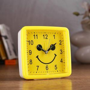 "Будильник ""Смайл"", квадратный, желтый, 11х11 см микс 2778922"
