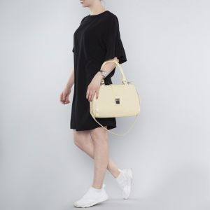 Сумка женская, 2 отдела на молнии, наружный карман, длинный ремень, цвет бежевый
