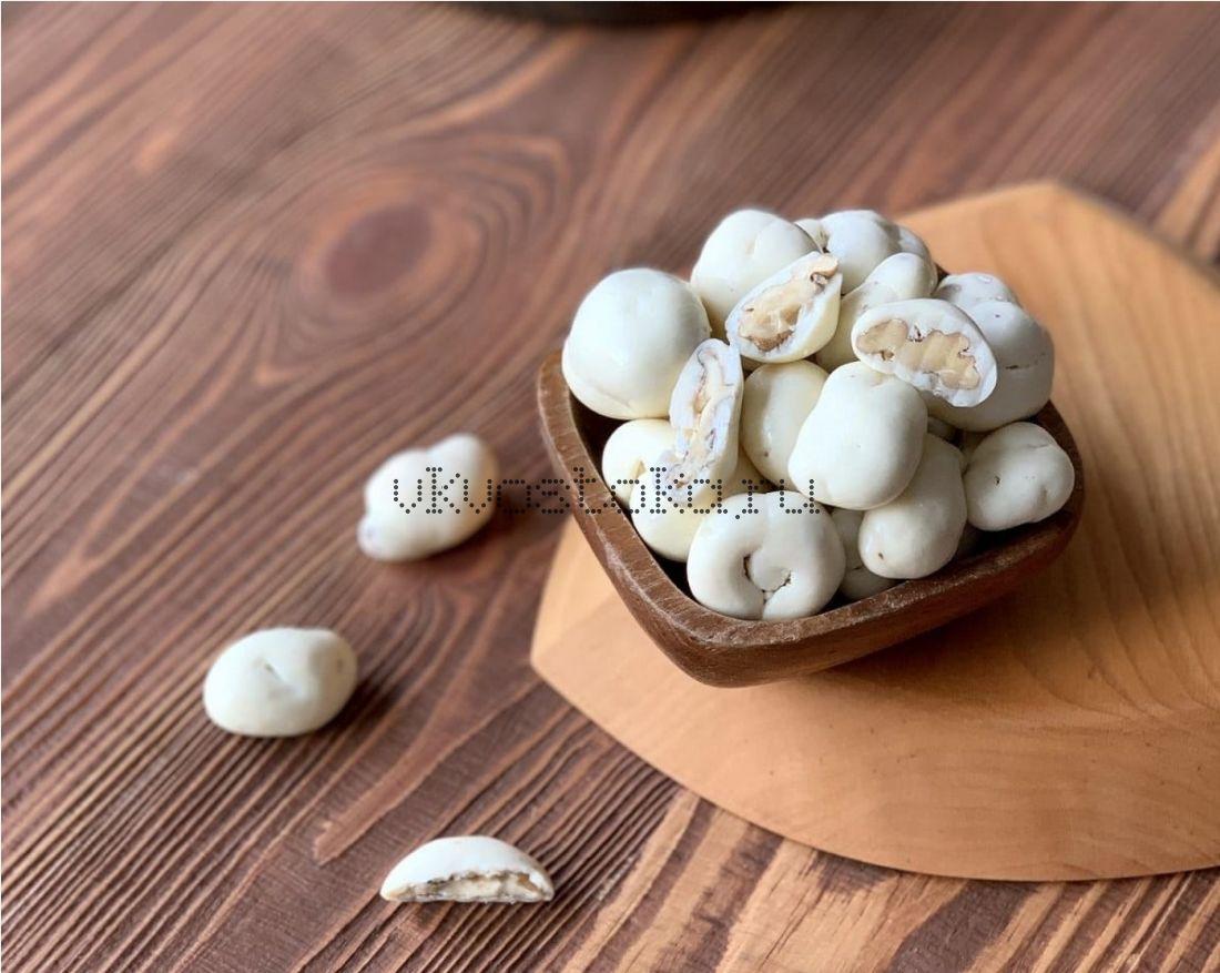 Грецкий орех в белом шоколаде