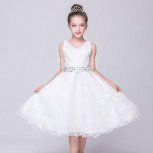 платье кружевное с поясом, стразы, модель 28, рост 140