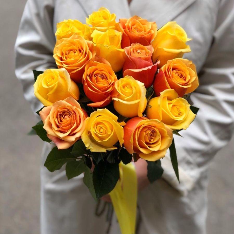 15 желто-оранжевых роз 50 см