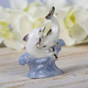 """Сувенир """"Два дельфина на волнах"""" белые с голубым 11х9х3,5 см"""