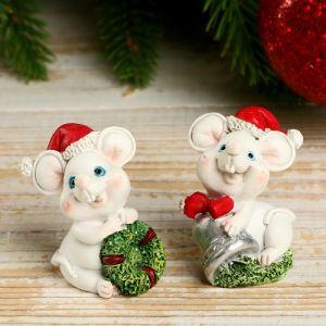 """Сувенир полистоун """"Белый мышик в новогоднем колпаке с подарками"""" МИКС 4,5х3х3 см   4175029"""