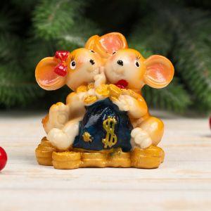 "Сувенир полистоун ""Мышки с бантами, с мешком золотых монет"" МИКС 6,7х7,2х3,7 см   4285299"
