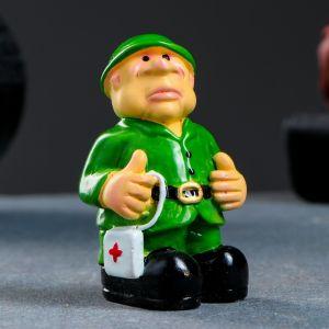 "Фигура ""Солдат с аптечкой"" 5х4х8см   3928071"