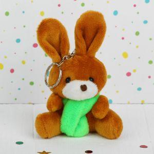 Мягкая игрушка-брелок «Зайчик в шарфе», цвета МИКС