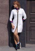 белое платье на молнии в спортивном стиле