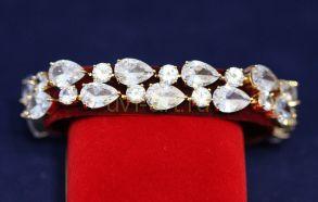 Позолоченный массивный браслет с искусственными бриллиантами (арт. 880130)