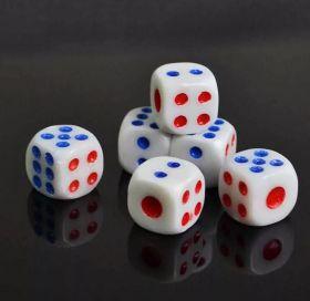 Кость кубик игральный белый 14 мм (1 штука)