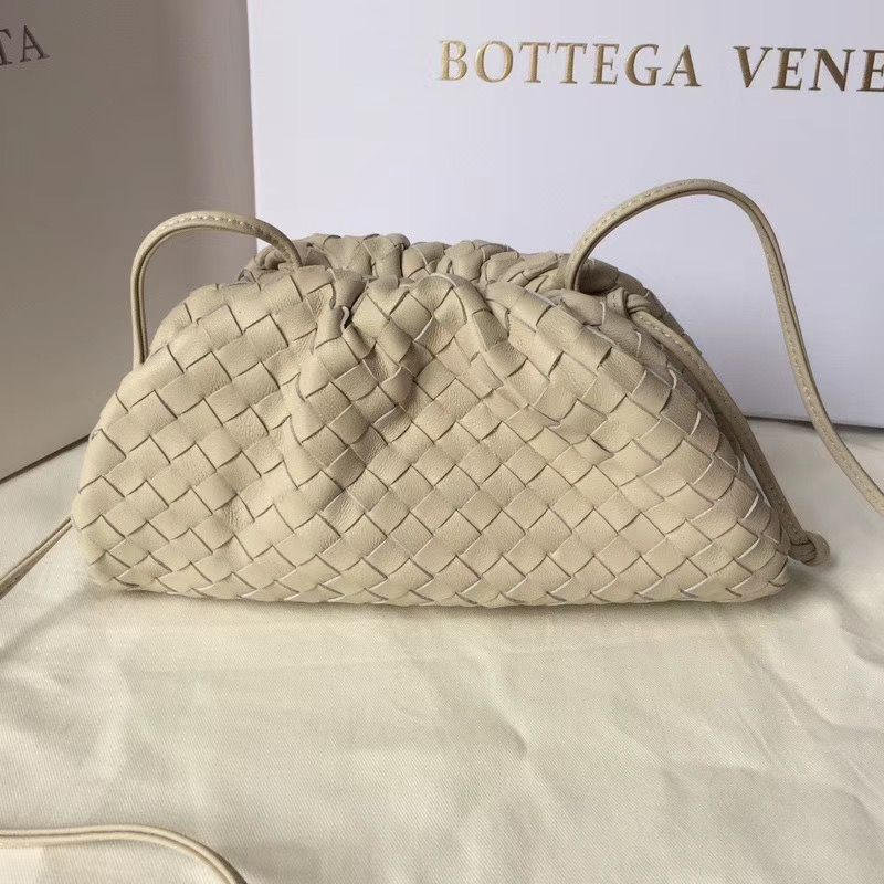 Bottega Veneta The Pouch 22 cm
